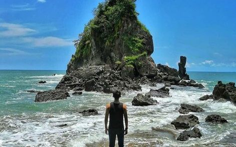 https://letterf.id/wp-content/uploads/2019/04/pantai2.jpg